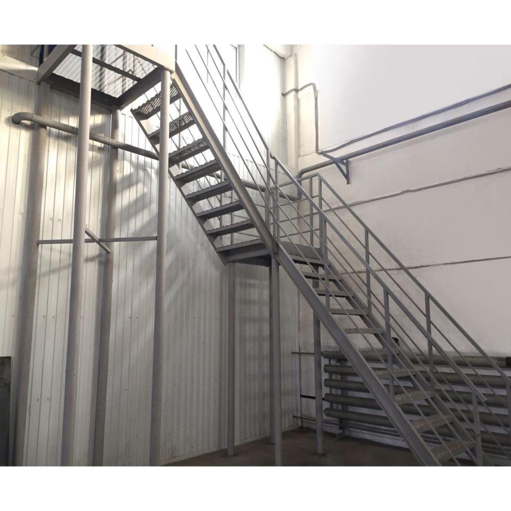 Лестница металлическая (арт. 1201)